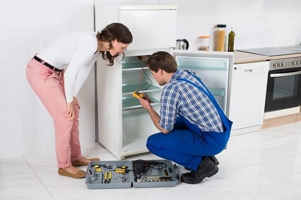 reparatii frigidere aviatorilor